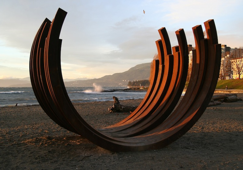 217.5 Arc x 13' by Bernar Venet