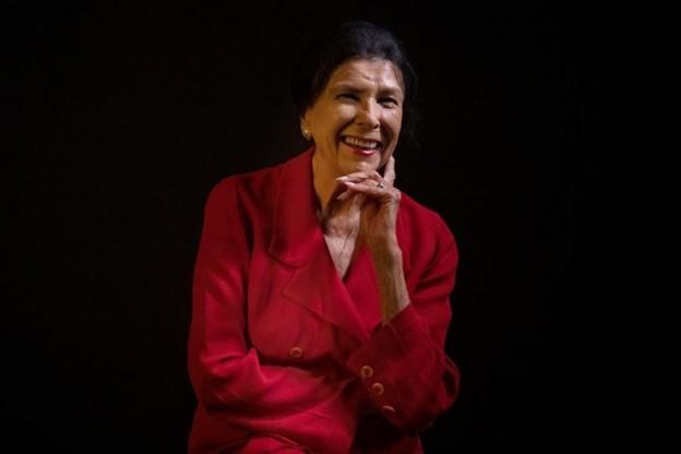 Alanis Artist Portrait